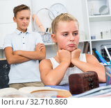Portrait of girl who is offended by her brother. Стоковое фото, фотограф Яков Филимонов / Фотобанк Лори