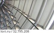 The metal dome of the building. Стоковое видео, видеограф Потийко Сергей / Фотобанк Лори