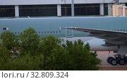 Купить «Airplane taxiing after landing», видеоролик № 32809324, снято 28 ноября 2019 г. (c) Игорь Жоров / Фотобанк Лори