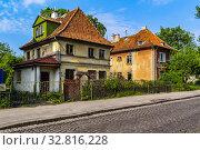 Купить «Россия, Калининград, старинные жилые дома немецкой постройки», фото № 32816228, снято 20 мая 2011 г. (c) glokaya_kuzdra / Фотобанк Лори