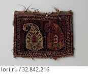 Bag decorated with botehs (front) and windows (back), Bag whose front is decorated with two botehs and the back with windows., Qashqa'i volk, Iran, 1850 - 1900, ketting en inslag, h 30 cm × w 40 cm. Редакционное фото, фотограф ARTOKOLORO QUINT LOX LIMITED / age Fotostock / Фотобанк Лори