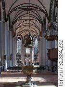 Inside interior view St Nicholas Church Nikolaikirche Mitte area Berlin Germany. Стоковое фото, фотограф Sergi Reboredo / age Fotostock / Фотобанк Лори
