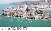 Купить «Aerial view of ancient fortress in Peniscola, Spain», видеоролик № 32890976, снято 16 апреля 2019 г. (c) Яков Филимонов / Фотобанк Лори