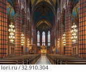 Купить «Интерьер церкви св. Иоанна в Стокгольме, Швеция», фото № 32910304, снято 24 мая 2019 г. (c) Михаил Марковский / Фотобанк Лори
