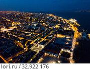 Panoramic night cityscape of Lisbon (2019 год). Стоковое фото, фотограф Яков Филимонов / Фотобанк Лори