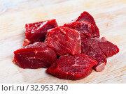 Купить «Uncooked chopped beef», фото № 32953740, снято 3 апреля 2020 г. (c) Яков Филимонов / Фотобанк Лори