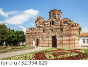 Купить «Ancient church of Christ Pantocrator (13th - 14th century) in the old town of Nessebar», фото № 32994820, снято 26 июня 2019 г. (c) Юлия Бабкина / Фотобанк Лори