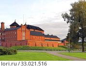 Купить «Famous medieval fortress and former prison in Hameenlinna, Suomi», фото № 33021516, снято 17 сентября 2019 г. (c) Валерия Попова / Фотобанк Лори