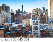 Купить «Typical Manhattan building background in New York», фото № 33045308, снято 23 февраля 2020 г. (c) Сергей Новиков / Фотобанк Лори