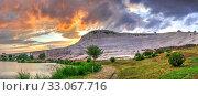 Lake and mountain in Pamukkale Village, Turkey (2019 год). Стоковое фото, фотограф Sergii Zarev / Фотобанк Лори