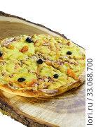 Купить «Пицца с беконом и грибами», фото № 33068700, снято 14 января 2020 г. (c) Наталья Гармашева / Фотобанк Лори