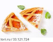 Купить «Lattice topped apricot tart», фото № 33121724, снято 6 июня 2020 г. (c) PantherMedia / Фотобанк Лори