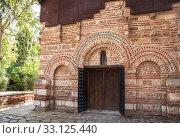 Купить «Entrance to church St. Paraskeva in Nessebar», фото № 33125440, снято 26 июня 2019 г. (c) Юлия Бабкина / Фотобанк Лори