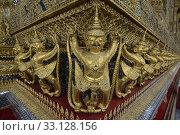 Купить «Der Wat Phra Kaew in der Stadt Bangkok in Thailand in Suedostasien.», фото № 33128156, снято 28 мая 2020 г. (c) PantherMedia / Фотобанк Лори