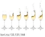 Купить «Splashing Champagne Flutes», фото № 33131144, снято 29 марта 2020 г. (c) PantherMedia / Фотобанк Лори