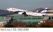 Купить «Israel Airlines Boeing 737-900ER 4X-EHE taking off from Barcelona Airport», фото № 33160644, снято 2 февраля 2020 г. (c) Яков Филимонов / Фотобанк Лори