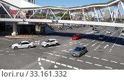 Купить «Abeno pedestrian bridge over the road junction in the central Osaka. Japan», видеоролик № 33161332, снято 1 января 2020 г. (c) Serg Zastavkin / Фотобанк Лори