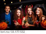 Купить «Halloween party at bar», фото № 33177532, снято 27 февраля 2020 г. (c) PantherMedia / Фотобанк Лори