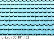 Купить «Beautiful corrugated plastic roof in autumn day.», фото № 33181452, снято 29 сентября 2019 г. (c) Акиньшин Владимир / Фотобанк Лори