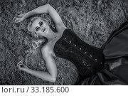 Купить «oberkörperaumnahme a lifeless young woman with blond hair and pale face», фото № 33185600, снято 20 февраля 2020 г. (c) PantherMedia / Фотобанк Лори