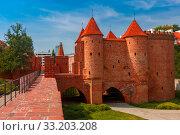 Купить «Barbican in the Old Town of Warsaw, Poland», фото № 33203208, снято 11 июля 2020 г. (c) PantherMedia / Фотобанк Лори