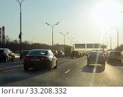 Купить «Плотное автомобильное движение на МКАД вечером», фото № 33208332, снято 22 февраля 2020 г. (c) Александр Замараев / Фотобанк Лори