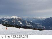 Купить «Winter sports,ski slope,ski area,piste,mountain,Zettersfeld,Lienz,lift», фото № 33259248, снято 26 мая 2020 г. (c) PantherMedia / Фотобанк Лори