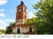 Saratov Region, Russia. Traveling around the Novoburas district, the sights of the village of Loch, Gremyachka. Church of St. Nicholas the Wonderworker. Ruined building 19th century 1821. Photo series (2019 год). Стоковое фото, фотограф Светлана Евграфова / Фотобанк Лори