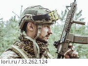 Купить «Handsome man in italian military uniform camouflage coloring Digital Vegetato», фото № 33262124, снято 22 апреля 2017 г. (c) katalinks / Фотобанк Лори