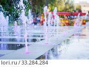 The city dry fountain with color illumination (2019 год). Редакционное фото, фотограф Екатерина Кузнецова / Фотобанк Лори