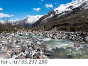Купить «Caucasus mountains in Russia», фото № 33297280, снято 21 мая 2016 г. (c) Юлия Белоусова / Фотобанк Лори