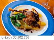 Купить «Duck confit in port with pear chutney», фото № 33302756, снято 29 марта 2020 г. (c) Яков Филимонов / Фотобанк Лори