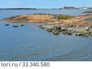Rocky island of Helsinki archipelago in summer. Suomi (2019 год). Стоковое фото, фотограф Валерия Попова / Фотобанк Лори