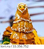 Pancakes on Shrove Tuesday. Western Siberia, Russia (2020 год). Редакционное фото, фотограф Евгений Мухортов / Фотобанк Лори
