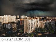 Купить «The Heavy thunderstorm over the Moscow, Russia», фото № 33361308, снято 2 июня 2019 г. (c) Володина Ольга / Фотобанк Лори