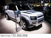 Купить «Land Rover Defender», фото № 33366008, снято 17 сентября 2019 г. (c) Art Konovalov / Фотобанк Лори
