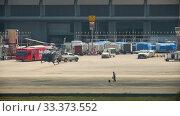 Купить «Supervisor meets helicopter at the airport», видеоролик № 33373552, снято 28 ноября 2016 г. (c) Игорь Жоров / Фотобанк Лори