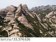 Купить «Panoramic view of Montserrat mountains», фото № 33374636, снято 22 апреля 2018 г. (c) Яков Филимонов / Фотобанк Лори