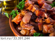 Купить «Morro de cerdo. Roasted cut pig snouts», фото № 33391244, снято 6 июня 2020 г. (c) Яков Филимонов / Фотобанк Лори