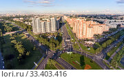 Prospekt Stachek, the Leninsky Prospekt and the Dachny avenue crossing is in Kirovsky district, aerial view. Kronshtadtskaya square. Streets of Saint-Petersburg (2016 год). Редакционное фото, фотограф Кекяляйнен Андрей / Фотобанк Лори