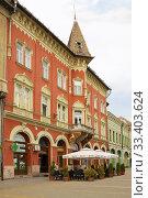 Красивое здание в стиле неоготики в городе Суботице в Сербии (2012 год). Редакционное фото, фотограф Солодовникова Елена / Фотобанк Лори