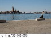 Riva Sette Martiri, COVID-19 lifestyle, Venice, Veneto, Italy, Europe. Редакционное фото, фотограф PFA / age Fotostock / Фотобанк Лори