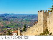 Купить «City walls of San Marino», фото № 33408128, снято 28 февраля 2020 г. (c) Роман Сигаев / Фотобанк Лори