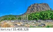 Купить «The Temple of Athena Polias in the Ancient Priene, Turkey», фото № 33408328, снято 20 июля 2019 г. (c) Sergii Zarev / Фотобанк Лори