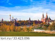 Купить «Panoramic view of Moscow Kremlin and Cathedral of Vasily Blessed from park Zaryadye, Russia», фото № 33423096, снято 16 октября 2018 г. (c) Papoyan Irina / Фотобанк Лори