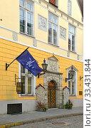 Купить «House of Blackheads, or House of Brotherhood of Black Heads. Tallinn, Estonia», фото № 33431844, снято 21 сентября 2019 г. (c) Валерия Попова / Фотобанк Лори