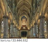 Купить «Интерьер Нового собора в Линце, Австрия», фото № 33444932, снято 11 декабря 2017 г. (c) Михаил Марковский / Фотобанк Лори
