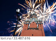 Купить «The Spasskaya Tower and fireworks in honor of Victory Day celebration (WWII), Red Square, Moscow, Russia», фото № 33487616, снято 9 мая 2019 г. (c) Владимир Журавлев / Фотобанк Лори
