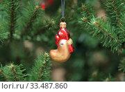 Елочная игрушка. Петушок. Стоковое фото, фотограф Denis Kh. / Фотобанк Лори