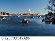 Berlin, Germany - At the Rummelsburger Bucht in Berlin-Lichtenberg.  (2020 год). Редакционное фото, агентство Caro Photoagency / Фотобанк Лори